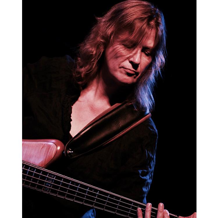 Bass Guitar Education - Iris Sigtermans